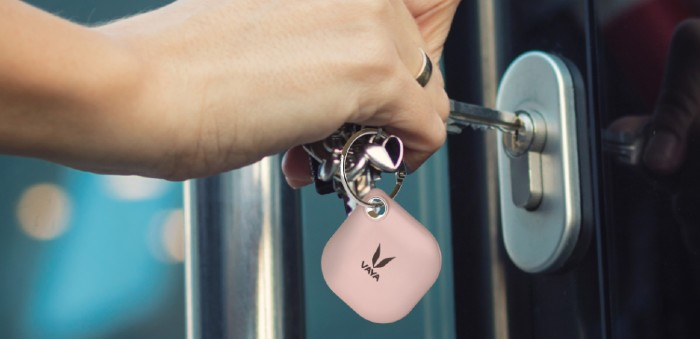 Smart Bluetooth Tracker gift for Valentine's day